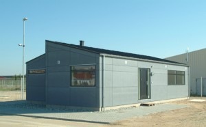 Byggeriet består af to pavilloner stillet ryg-mod-ryg.