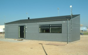 Det ene modul rummer et kontor og et café-område.